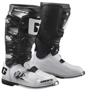 gaerne SG10_Black and white dirt bike boots