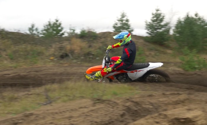 Dirt Bike Riding Tips - Body Positions In The Corners
